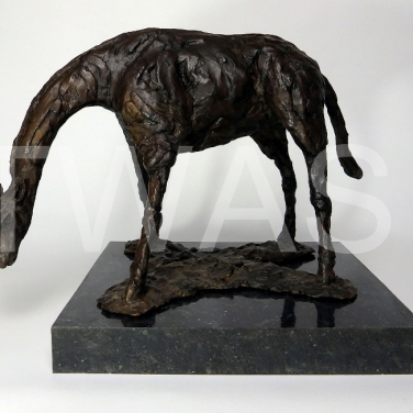 'Giraffe' by Elliot Channer Bronze 24x32x23 £800